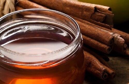 関節炎に効くシナモンとハチミツ