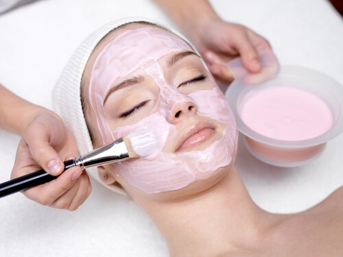 Facial-cleaning-2