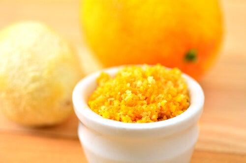捨てないで!柑橘類の皮の利用法