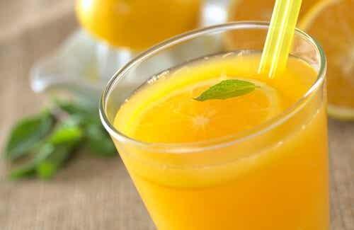 オレンジジュースを飲むメリット