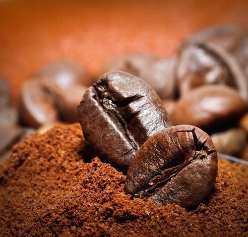 コーヒーかすの意外な利用法10選
