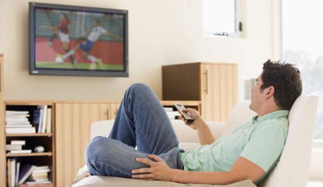 テレビを観ながら食べる事の危険