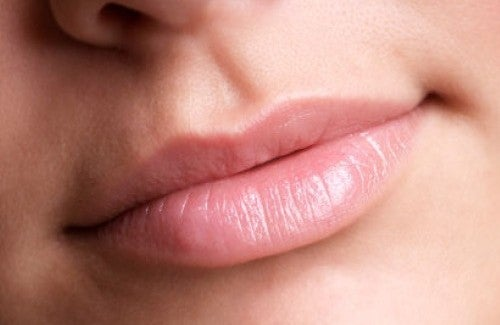 唇をふっくらさせるコツ