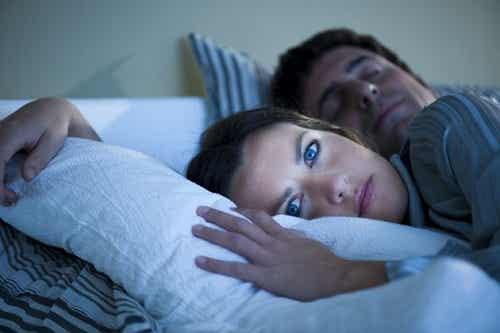 寝ている間に身体に起こる/10の不思議な現象