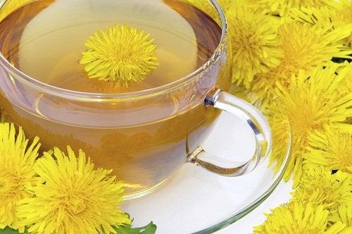 肝臓のデトックス:タンポポ茶