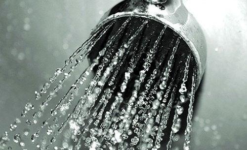 水風呂・冷水シャワーは体に良い?