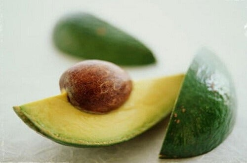 アボカドの種を食すべき9つの理由