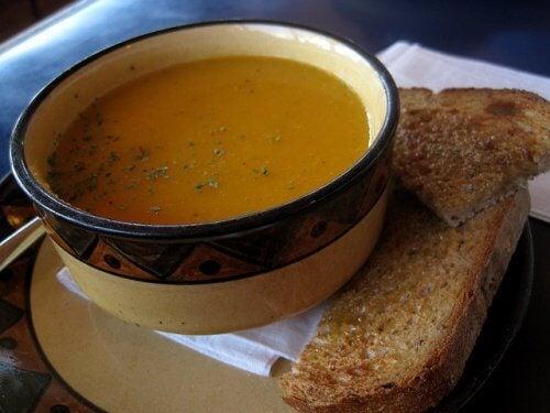 セロリキャロットスープ