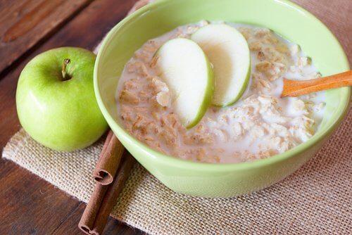 オーツ麦と青リンゴが/健康に良い理由