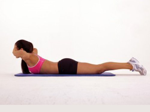 背中の脂肪に効くエクササイズ