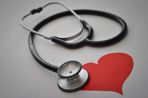 聴診器と心臓