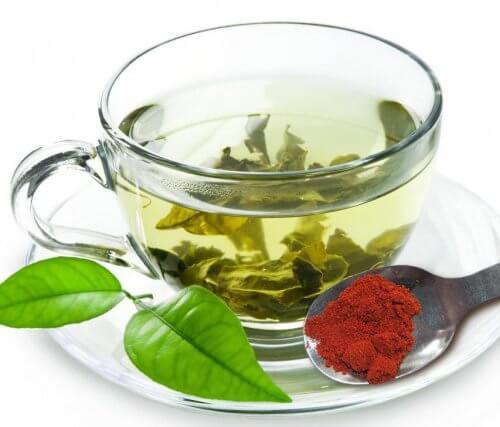 赤唐辛子入り緑茶