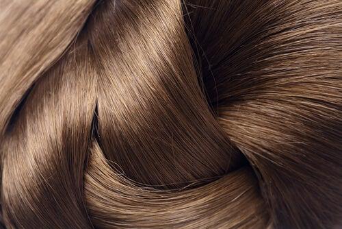 白髪予防に効果的なビタミンと食品