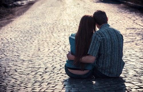 恋愛関係に見られる愛情の種類とは