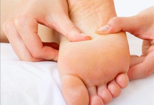 頭痛やストレスを軽減する/指圧方法