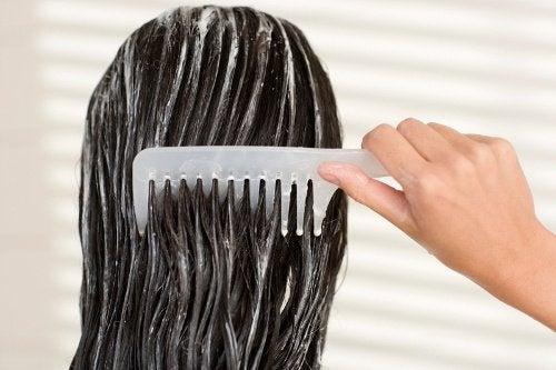 健康な髪を10日間で取り戻す方法