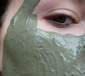 ニキビや毛穴のための緑茶パック