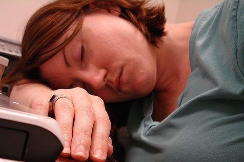 慢性疲労症候群(CFS)って何?/その対処法は?