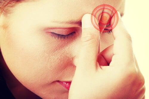 水分不足による片頭痛