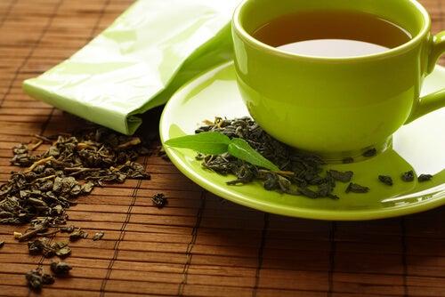 関節痛.緑茶