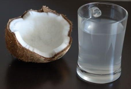 ココナッツウォーターの健康効果