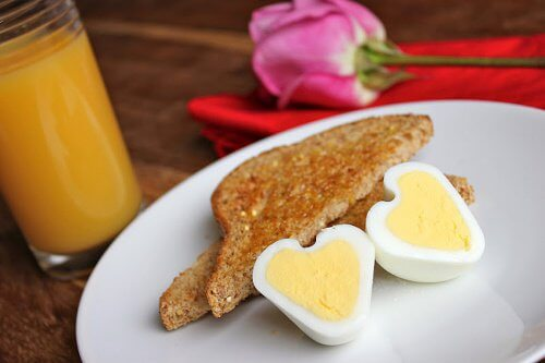 卵をハート型にする方法