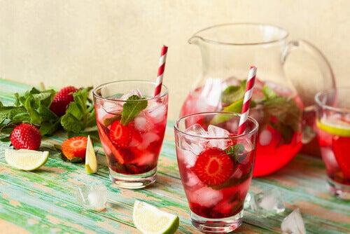 食欲を抑えるデトックス水