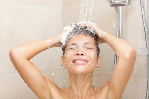 毎日シャワー浴びると/健康によくないってホント??