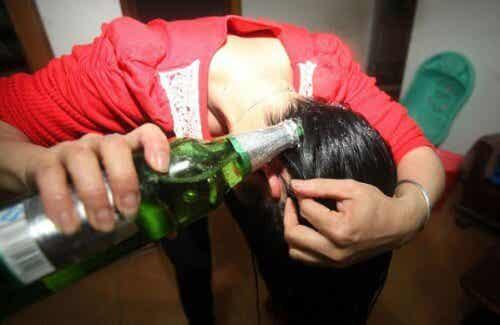 髪と肌に効くビールの使用法6選