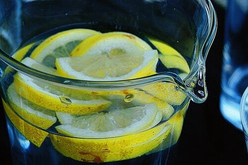 5-lemon-water