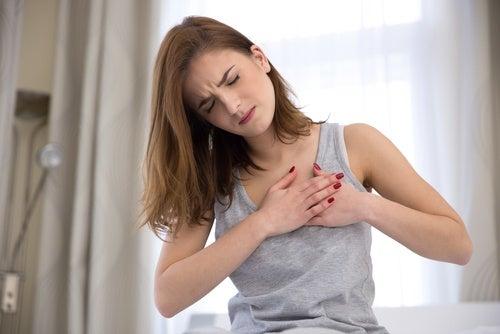 胸のマッサージでストレス解消