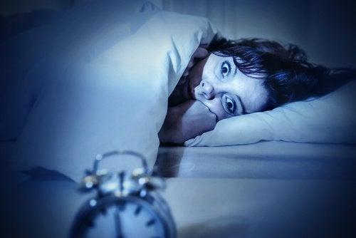 睡眠性麻痺