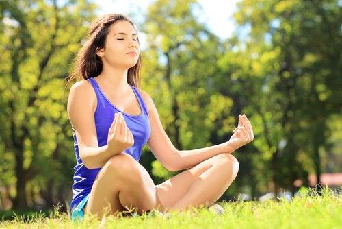 ヤスミーナ・ロッシ:瞑想