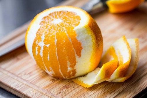 オレンジの側