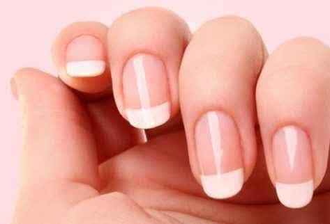 爪に栄養を与え保護する8つの秘訣