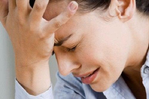 自然な方法で頭痛を取り除く