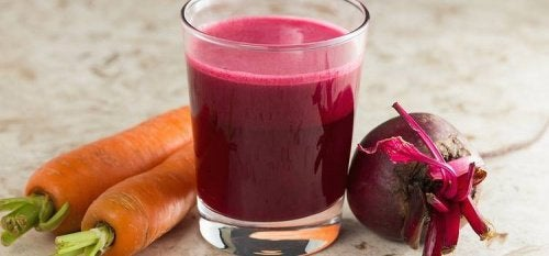 Beet-and-Carrot-smoothie