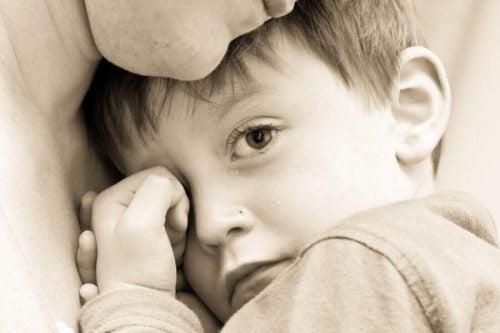 子育ての赤信号:子供にとって有害な親のふるまいとは?