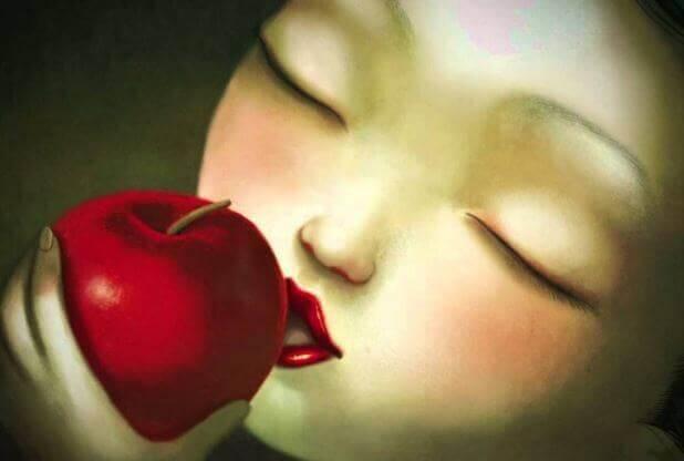 woman-apple
