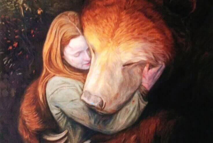 クマと女性