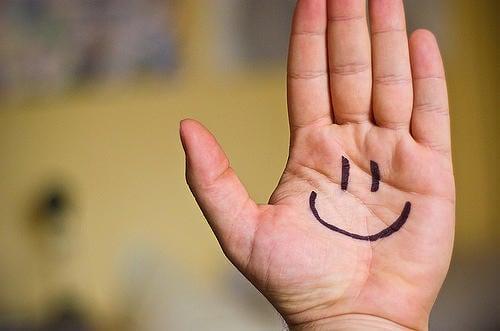 2-hand-smile