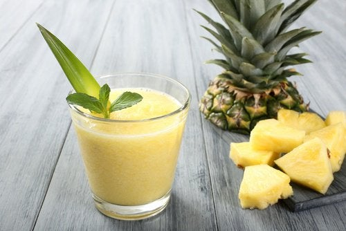 4-pineapple-smoothie