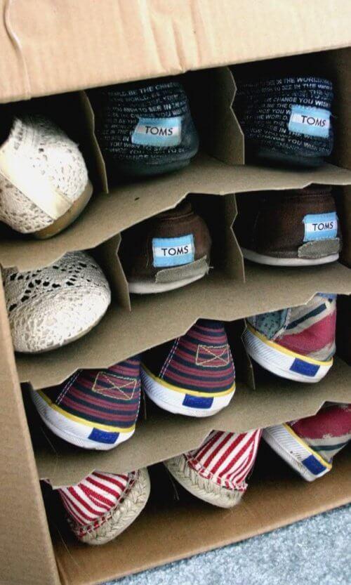 箱を使った靴の収納方法