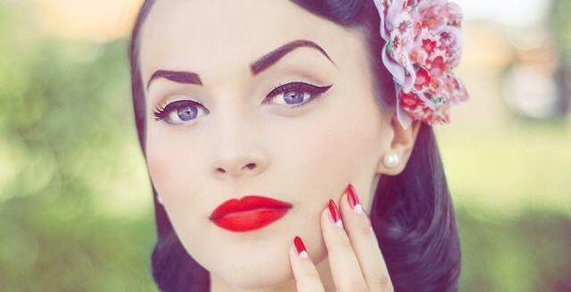 eyeliner-pinup
