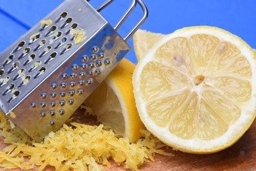レモンの皮の驚くべき使用法9選
