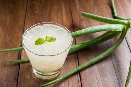 アロエベラ・葉緑素・レモン果汁の生ジュース