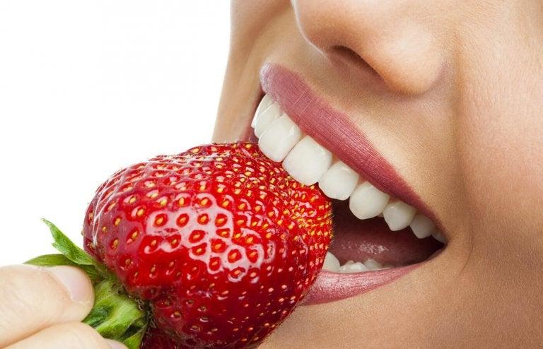strawberry-teeth-768x494
