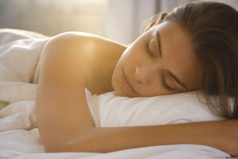1分以内で眠りに落ちる方法