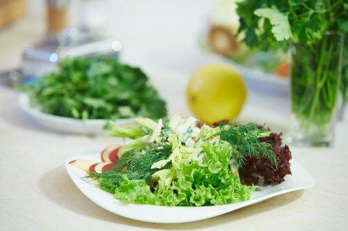 2-salad-greens