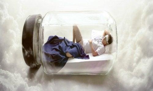 睡眠不足が引き起こす体への3つの悪影響